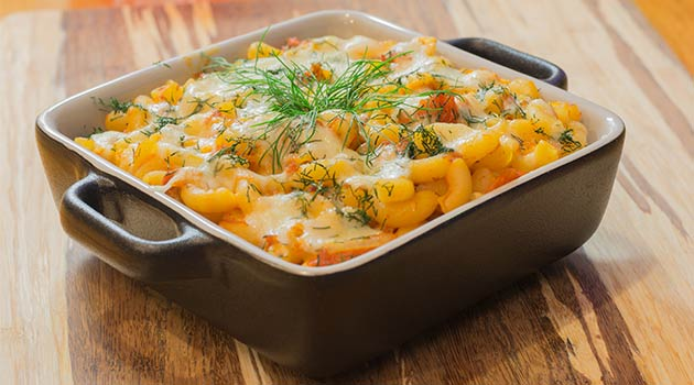 cheesy chicken and cauliflower bake