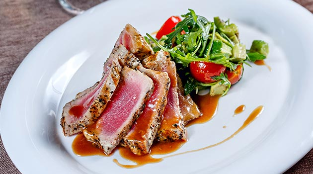 tuna steak with oyster sauce