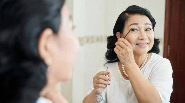 Makeup for Older Women - 10 Secret Tips