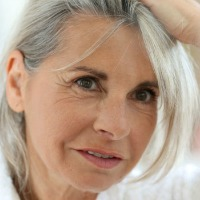 how to transition to grey hair