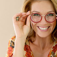 mature woman wearing trendy glasses